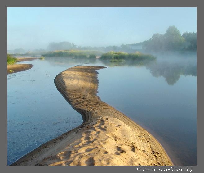 Трактование по фрейду согласно соннику фрейда, озеро может присниться лишь хладнокровным и рассудительным людям, причём, это спокойствие и здравомыслие проявляется не только в рутинном бытие, но и в наиболее приятных его моментах.