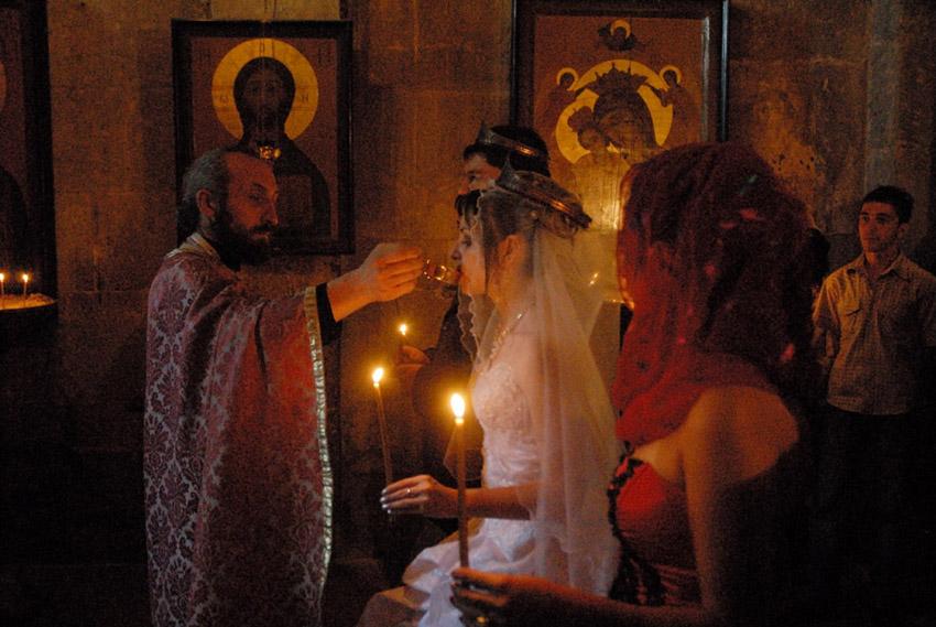 Венчание при свечах в храме Свети-Цховели