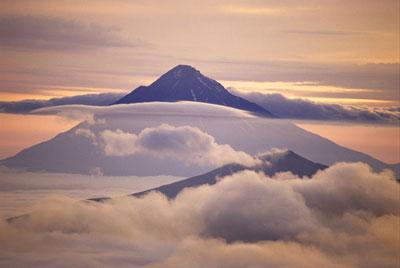 Конус вулкана Опала.