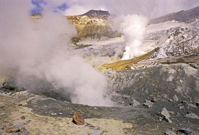 В кратере вулкана Мутновский.